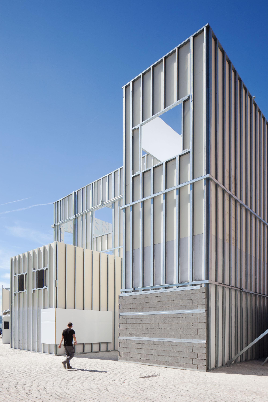 5 sehenswerte ausstellungen auf der architektur triennale for Architektur lissabon
