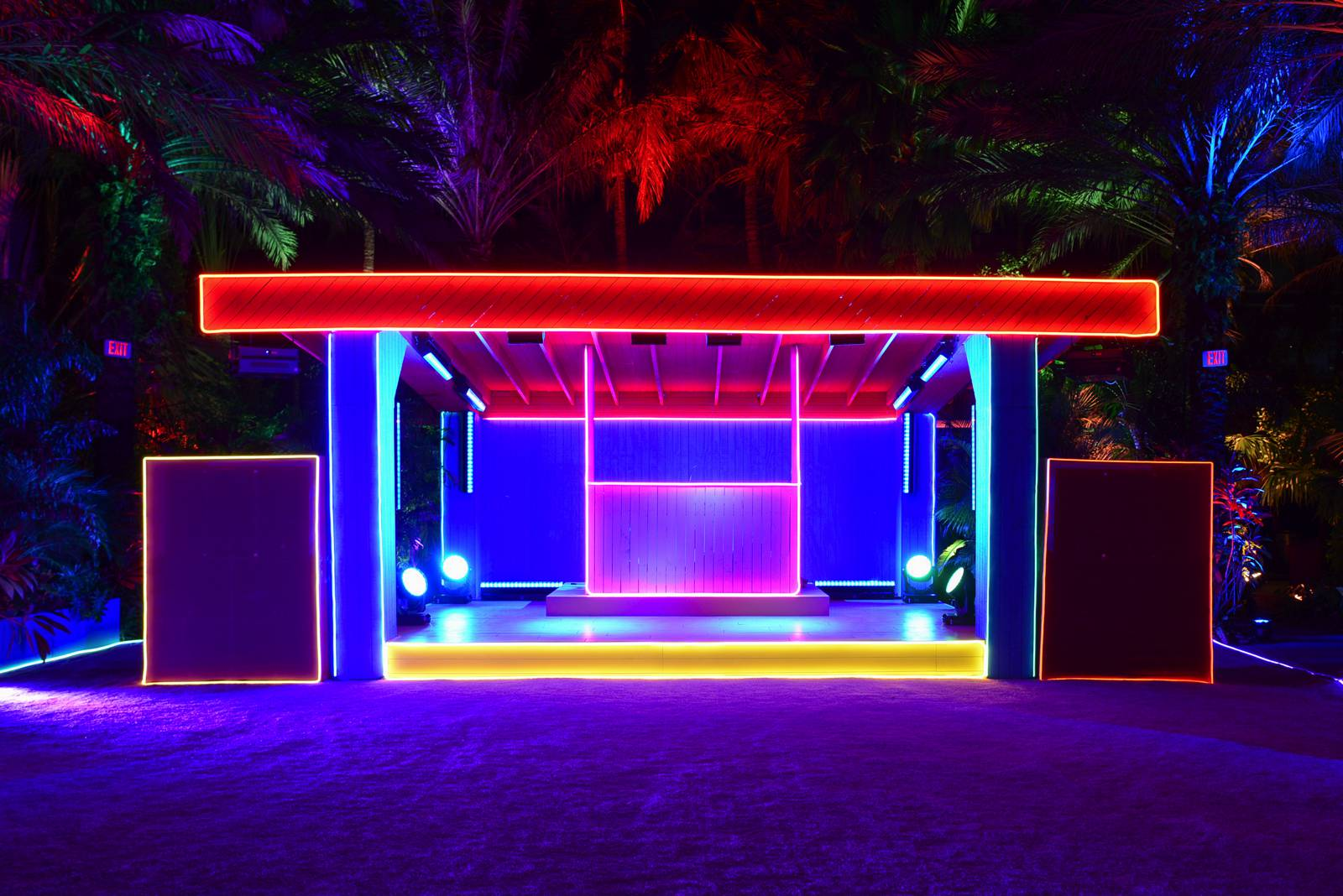 Lounge Club Miami Beach