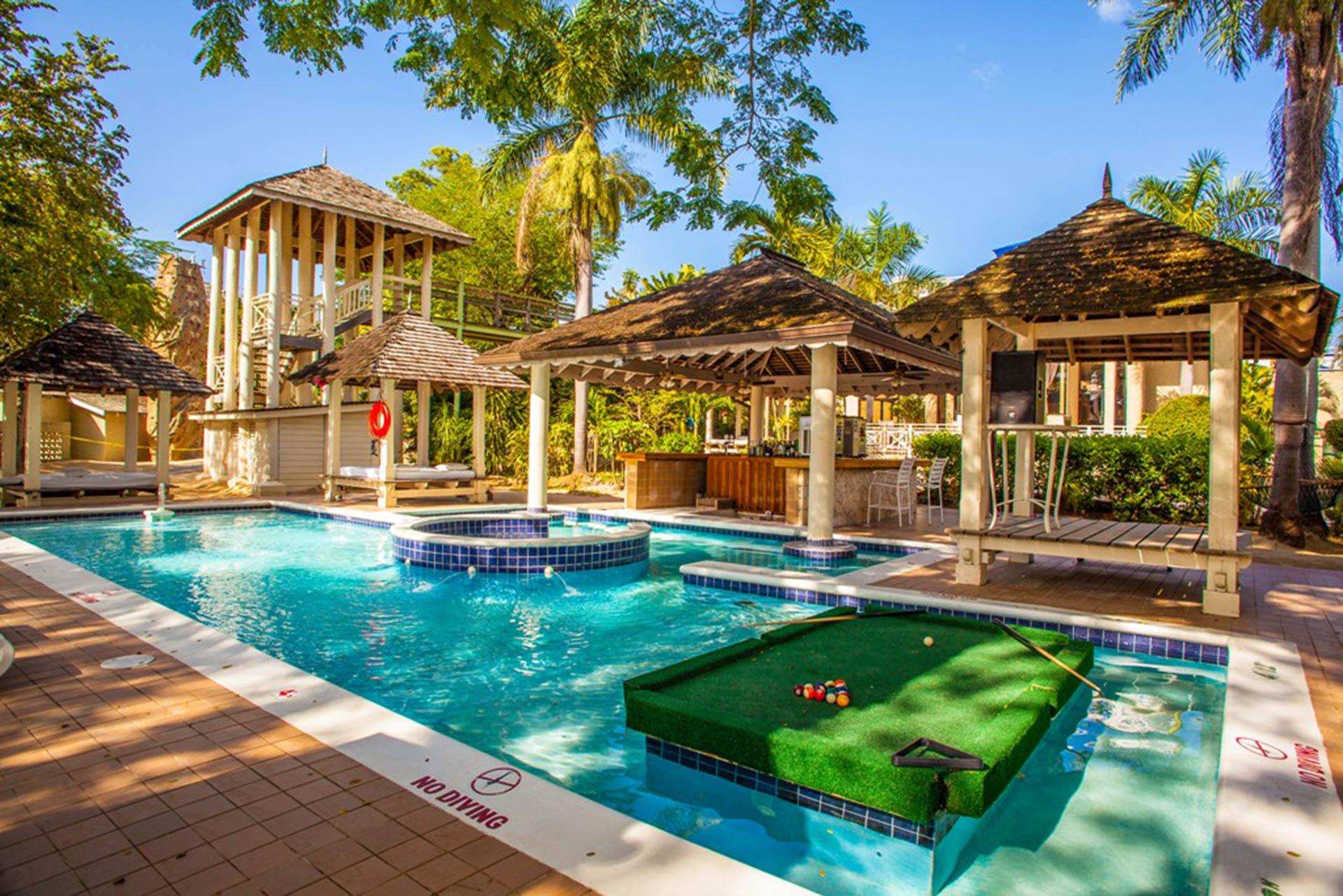 Hedonism   Jamaicas Luxury Adults-Only Playground   Amuse